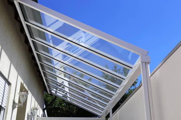 Innenhof-Überdachung mit Glas – Foto