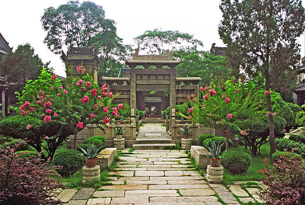 courtyard in great mosque, xi'an, china - hui architecture bildbanksfoton och bilder