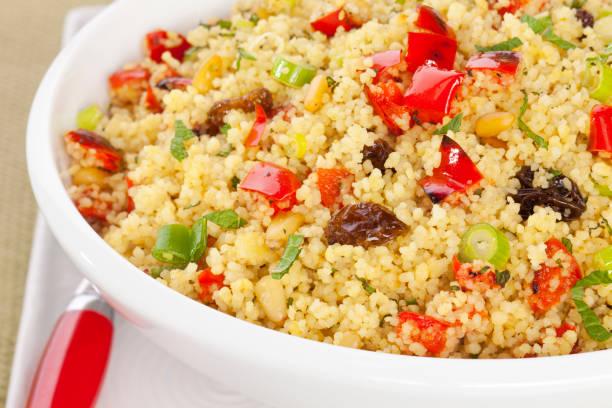 couscous-salat - couscous salat minze stock-fotos und bilder