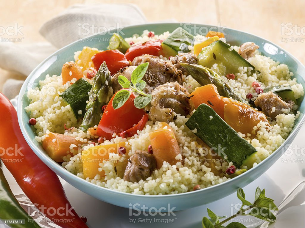 couscous mit Fleisch und Gemüse – Foto
