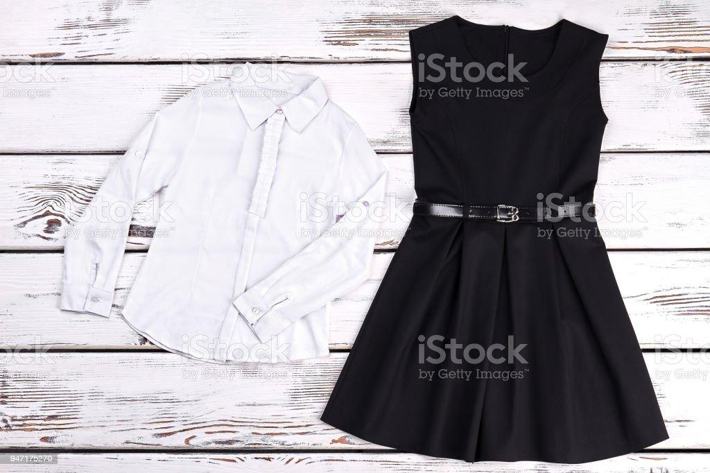 3009b8689c Vestido Retro De Alta Costura Negro Blusa Foto de stock y más banco ...