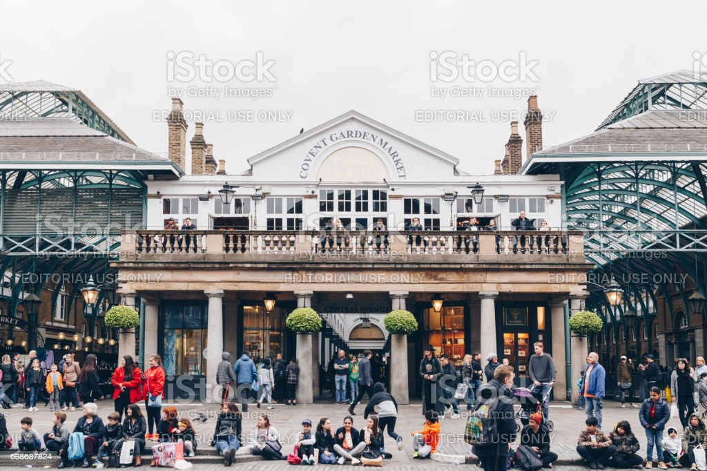 Covent Garden Market One Of The Main Tourist Attractions In London Known As Restaurants Pubs Market Stalls Shops And Public Entertaining Stock Photo Download Image Now Istock