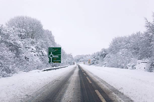 a31 coperto in neve - 2010 foto e immagini stock