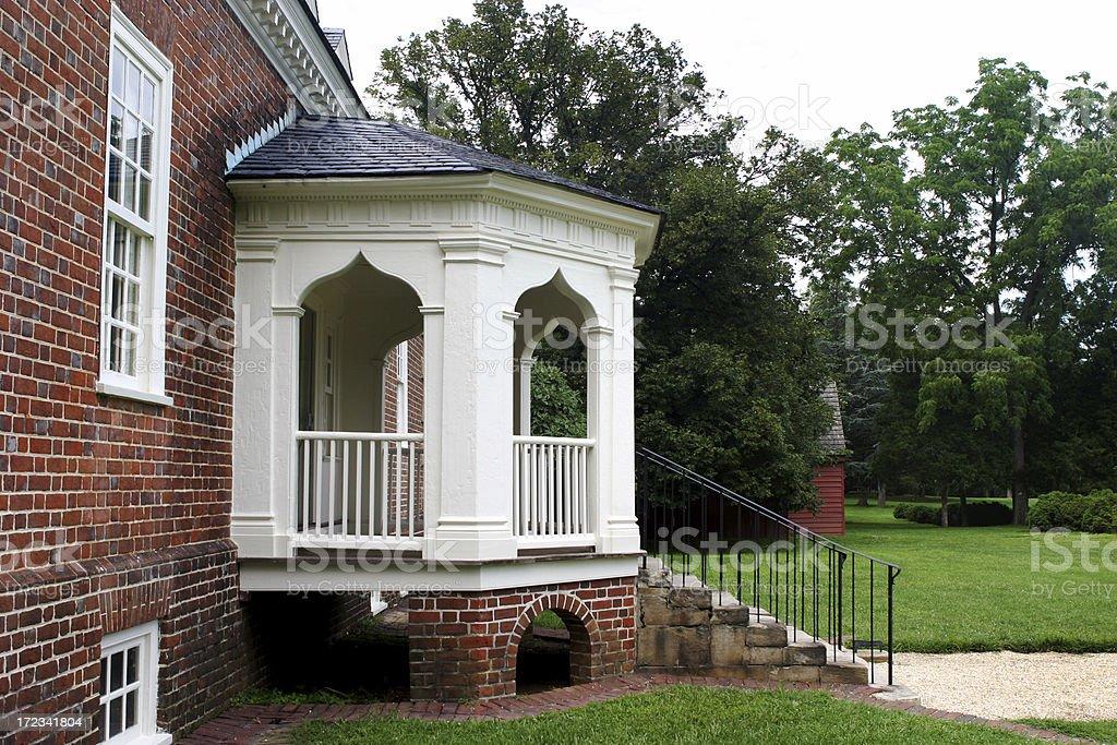 Porche Couvert Maison Coloniale Terrasse De Maison Moderne Suburbia ...