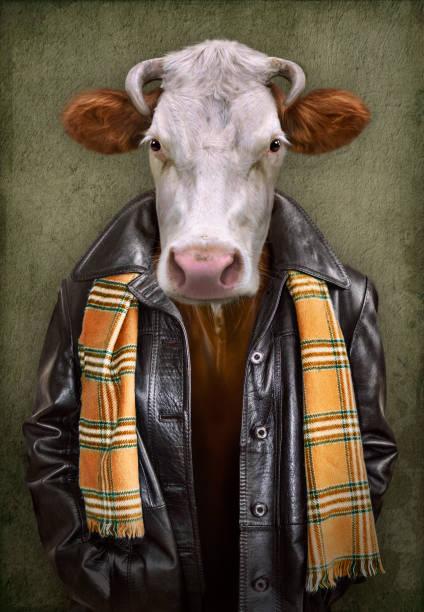 sığır kıyafeti. bir kafası olan adam. yumuşak yağlıboya tarzı ile vintage tarzı konsept grafik - hayvan vücudu bölümleri stok fotoğraflar ve resimler