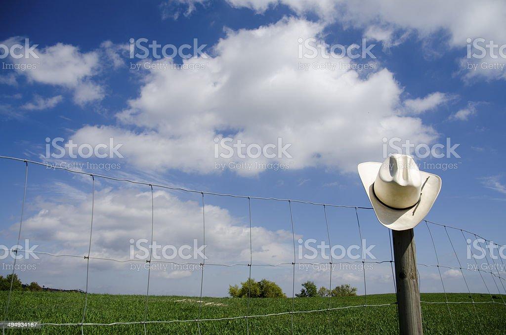 Sombrero de vaquero & valla - foto de stock