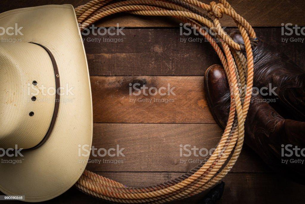 Fournitures de cow-boy sur fond de bois - Photo