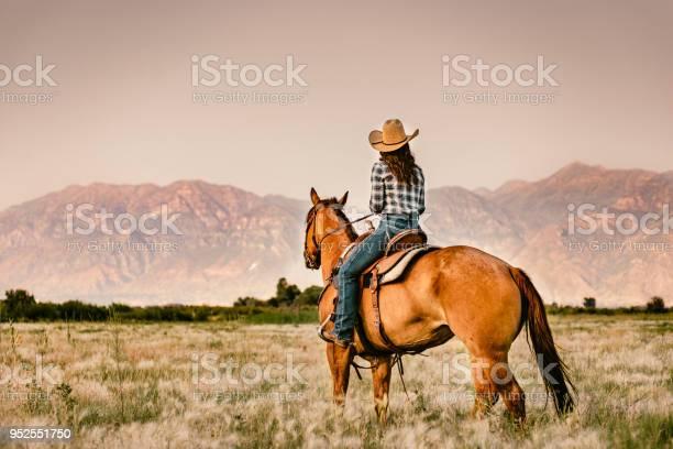 Cowgirl horseback riding picture id952551750?b=1&k=6&m=952551750&s=612x612&h=n1ty4bgzp9qtxisnezxyb0szx7bq94st 9 z unjifs=