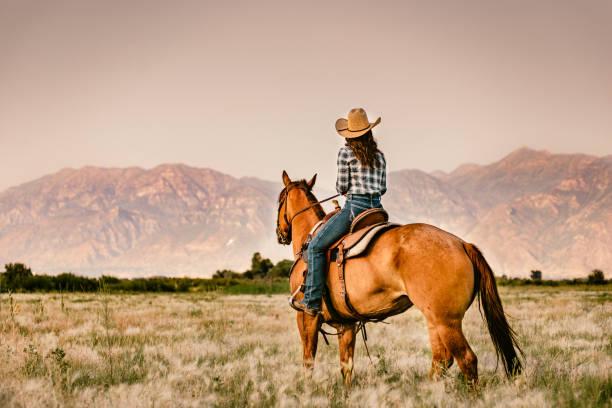 Cowgirl horseback riding picture id952551750?b=1&k=6&m=952551750&s=612x612&w=0&h=cakdl6 xs1aubs rrvdc k1n99w7fcfephgzpe 9f9o=