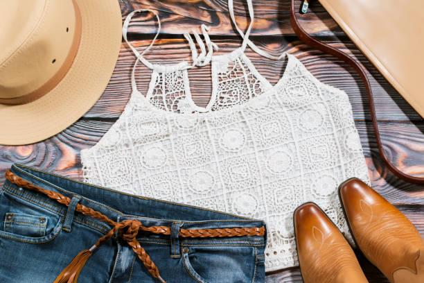 Cowgirl Outfit - Aufwand für trendige casual Frau Kleidung – Foto