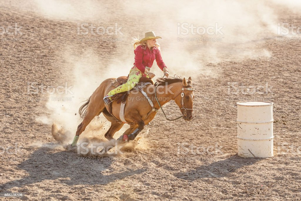 Cowgirl Rodeo Barrel Racing compétition - Photo