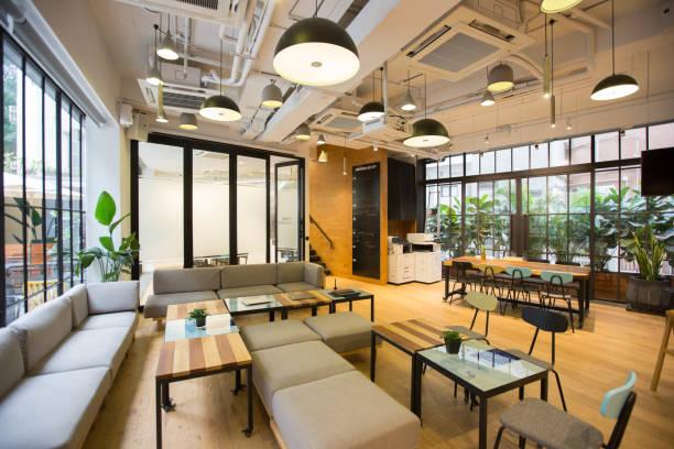 空の共同作業スペース領域 - オフィス ストックフォトと画像