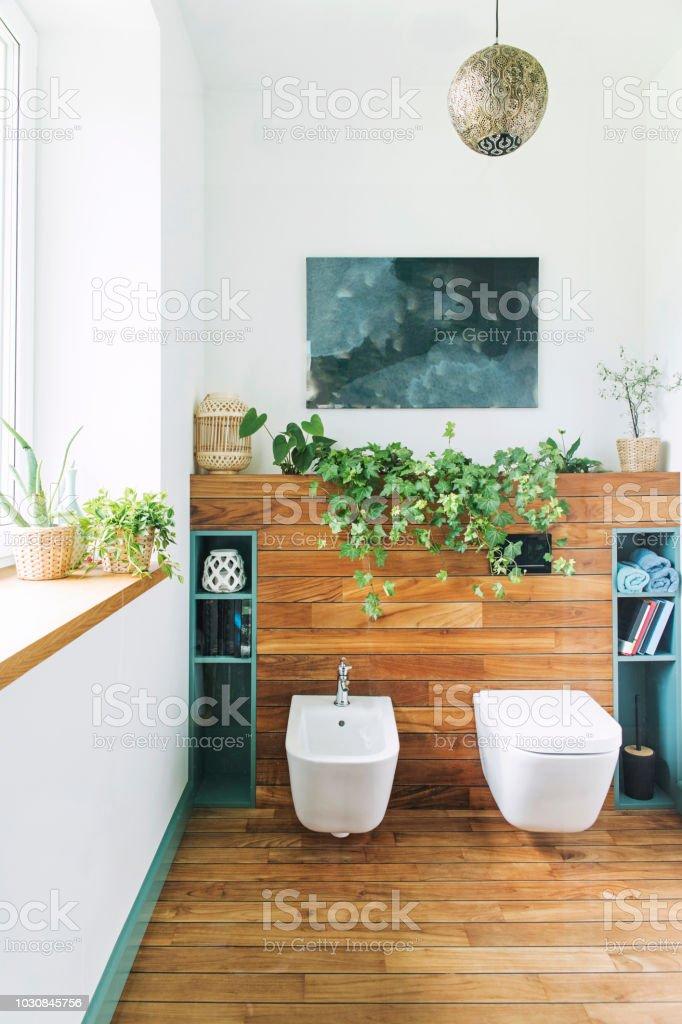 Gemütlich Und Mediterranen Stil Bad In Warmen Farben Und ...