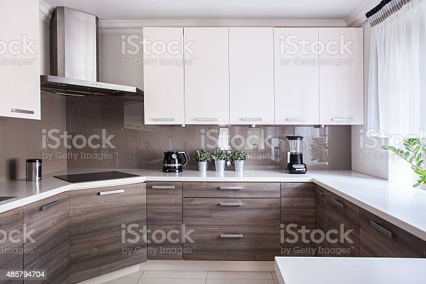 Cozy beige kitchen picture id485794704?b=1&k=6&m=485794704&s=612x612&h=9pykrlqhdpjb novidd3v0pzqhweor4ug3efzhszjw8=