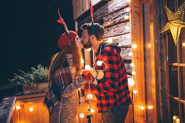 gemütliche weihnachten. - vorbau dekor stock-fotos und bilder
