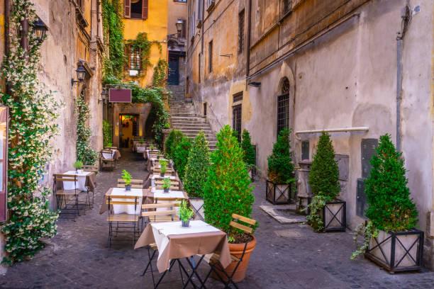 Acogedor en el centro de la ciudad, Roma, Italia, Europa. Atracciones turísticas de Roma. - foto de stock