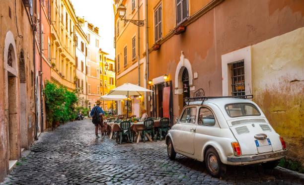 Acogedor en Trastevere, Roma, Italia, Europa. - foto de stock