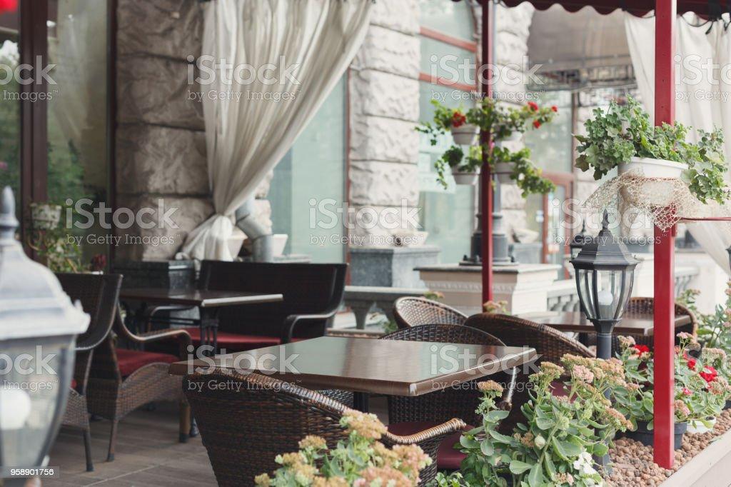 Acogedor Interior De Madera De La Terraza De Café Espacio De