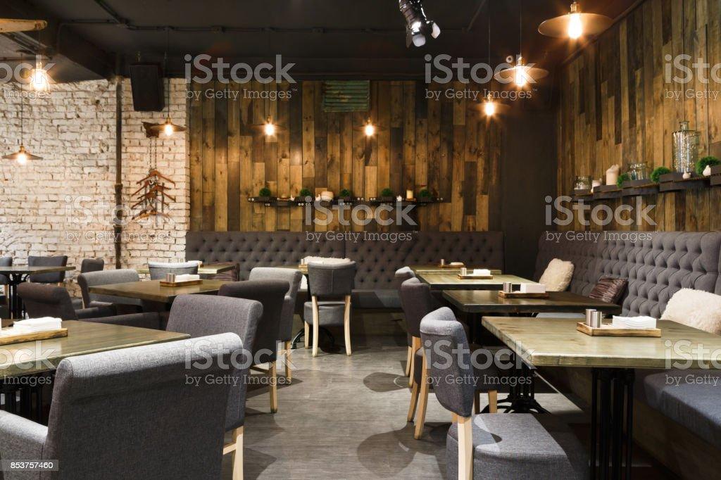 コピー スペース、レストランの居心地の良い木製インテリア ストックフォト
