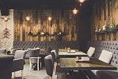 コピー スペース、レストランの居心地の良い木製インテリア