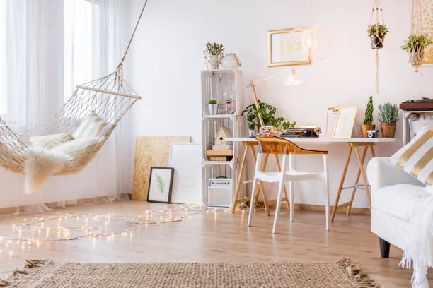 cozy working place - home decor boho imagens e fotografias de stock