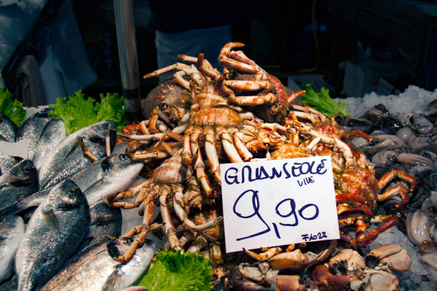 Cтоковое фото Crabs For Sale At Fish Market in Italy