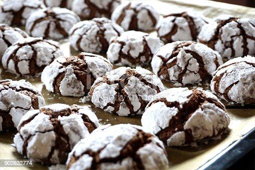istock Cracked chocolate baked cookies 902632774