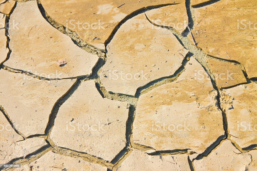 Cracked ground: the effects of drought - concept image foto stock royalty-free