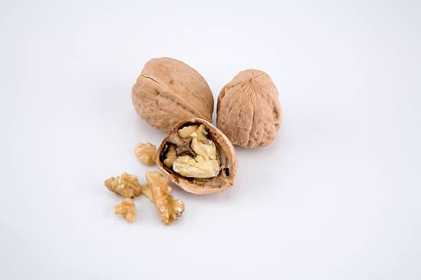 cracked walnut 1