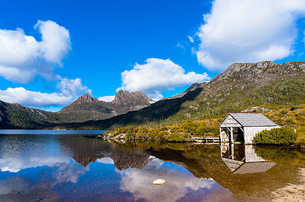 cradle mountain boat shed - cradle mountain stock photos and pictures