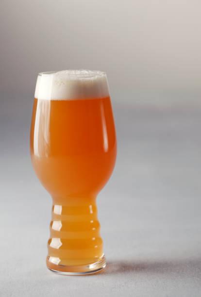 Craft Beer in einem speziellen Glas – Foto