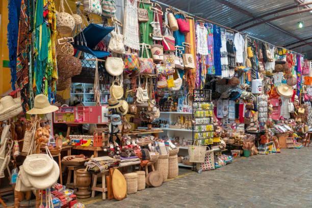 mercato dell'artigianato ad aracaju - bazar mercato foto e immagini stock