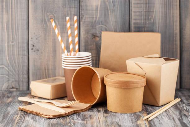 craft paper tableware - biodegradabile foto e immagini stock