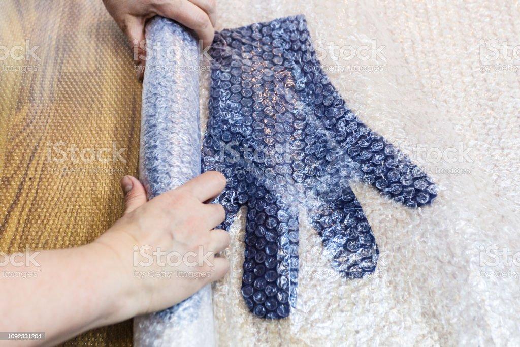Handwerker Pressen Gefilzte Handschuhe In Matte Für Walken