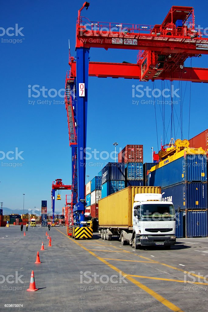 crane und container – Foto