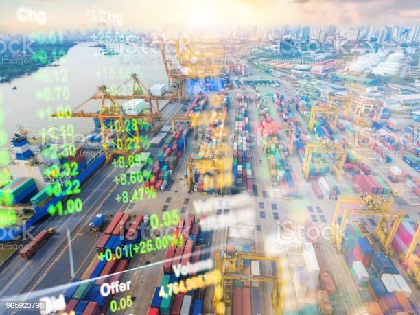 Crane Cargo Market And Finance Economic Background - Fotografias de stock e mais imagens de Adulto