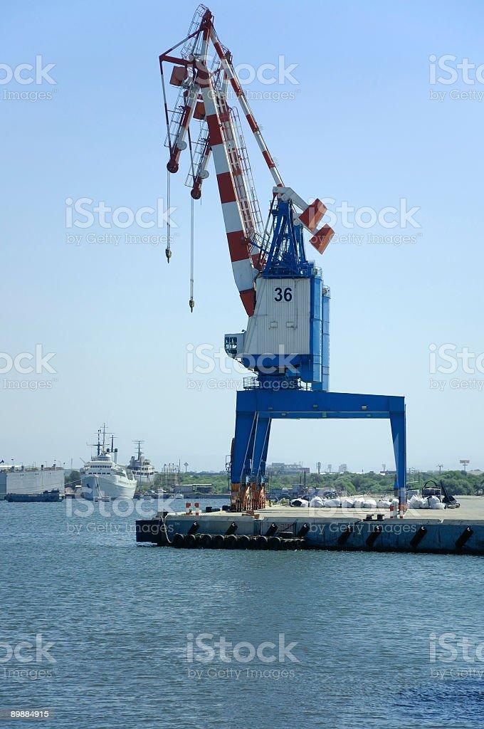 cranes auf eine cargo-pier Lizenzfreies stock-foto