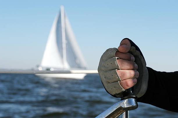 kurbel! - segelhandschuhe stock-fotos und bilder