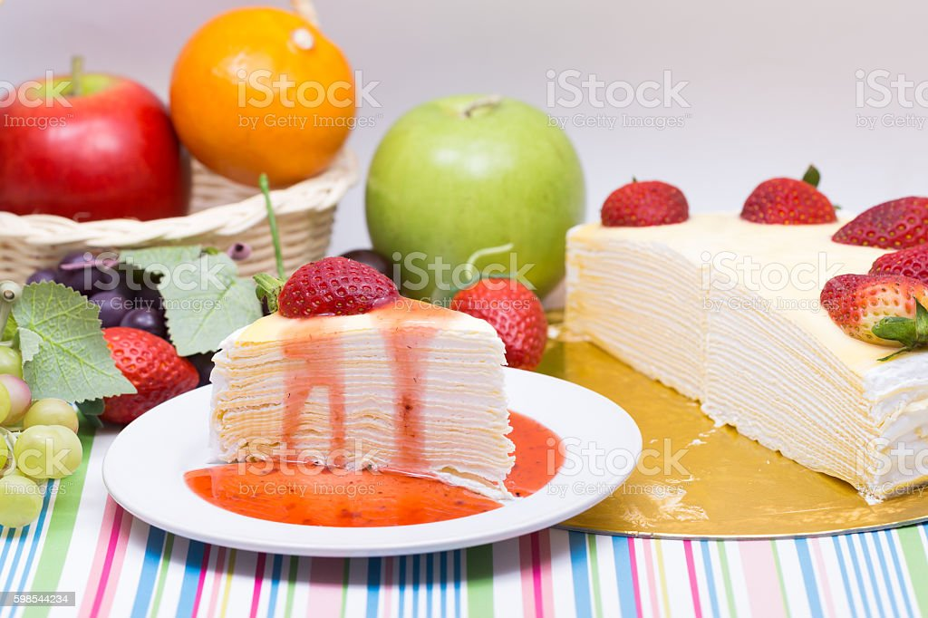 crape cake and freshness strawberry photo libre de droits