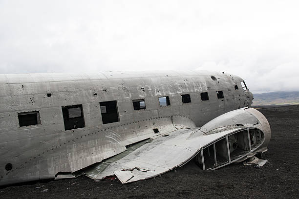 Crashed airplane, Douglas DC3, Iceland Airplane wreckage on a black sand beach, South Iceland sólheimasandur stock pictures, royalty-free photos & images