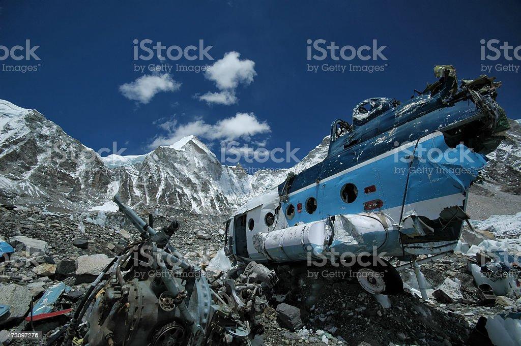 Caiu helicóptero.   Everest base.   Nepal Himalaia. - foto de acervo