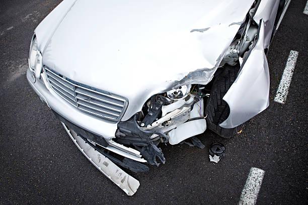 crashed mercedes - krockad bil bildbanksfoton och bilder