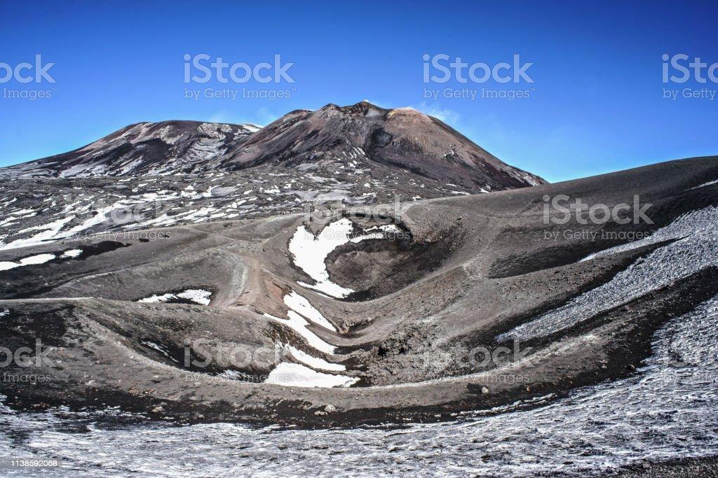 krater vom ätna – Foto