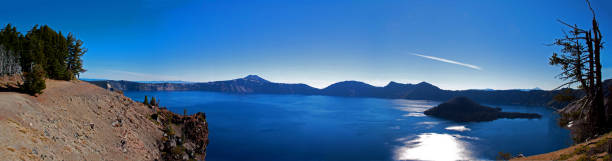 crater lake panorama - laune stock-fotos und bilder