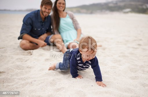 istock Crawling in the soft sand is awesome! 487729741
