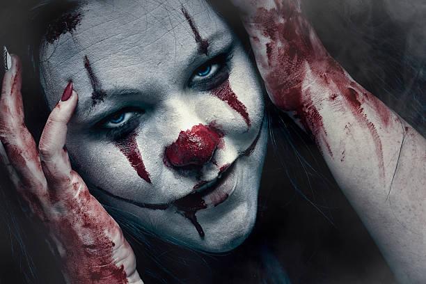 crazy clown - horror zirkus stock-fotos und bilder