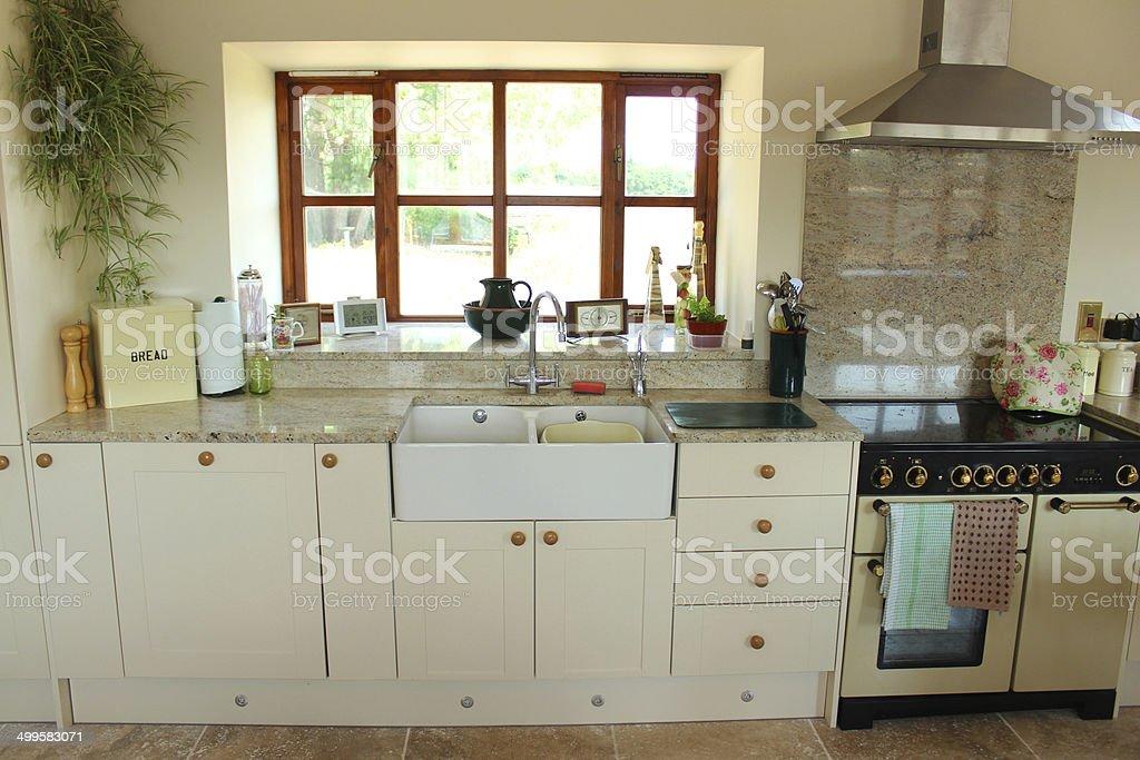 Arbeitsfläche Küche | Creme Shaker Ausgestattete Kuche Mit Granitarbeitsflacheoberflache