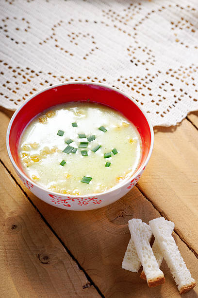 Cream soup and bread croutons – Foto