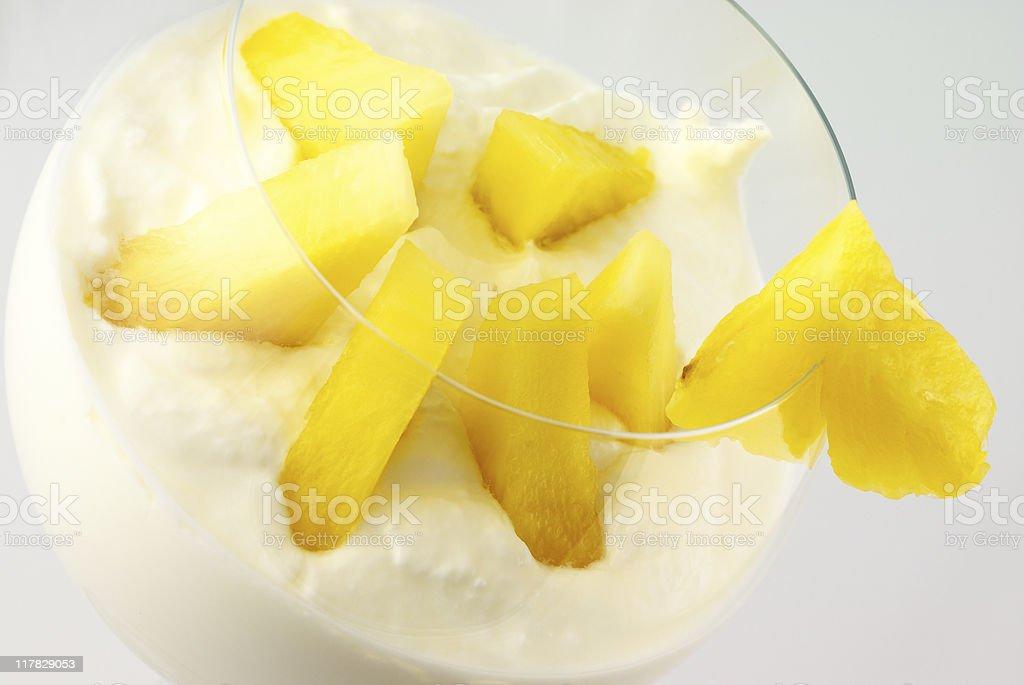 Crema con frutas - Foto de stock de Alimento libre de derechos