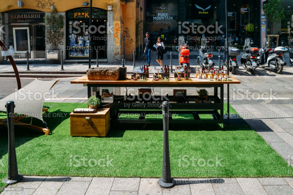 Creams on display on the street on a fashionable street in Milan - foto stock